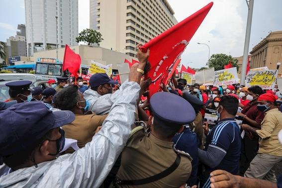 fotos asi se vive la marcha del 8m en el mundo 14