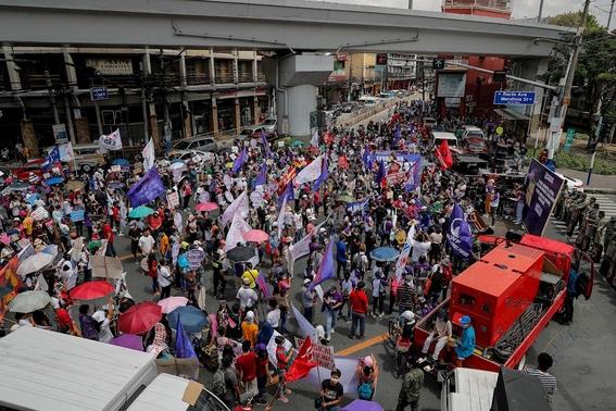 fotos asi se vive la marcha del 8m en el mundo 11
