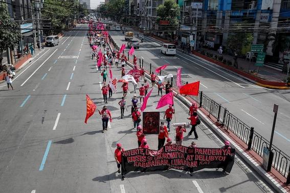 fotos asi se vive la marcha del 8m en el mundo 12