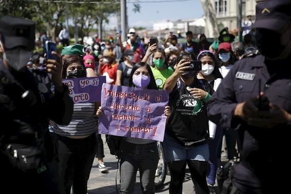 fotos asi se vive la marcha del 8m en el mundo 16