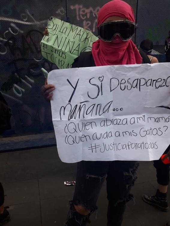 marcha manifestacion 8m dia de la mujer 23