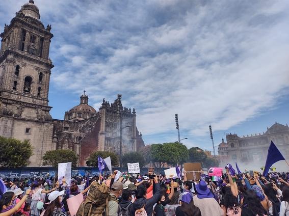 marcha manifestacion 8m dia de la mujer 12