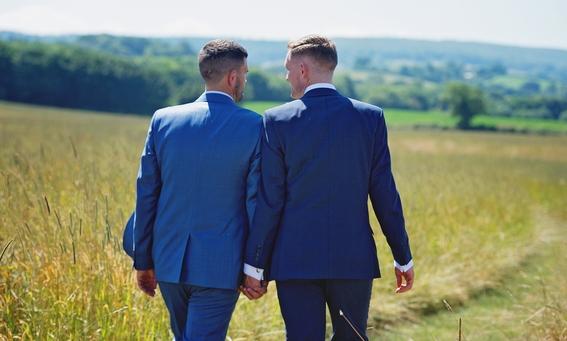 sacerdote no bendice ramos en protesta contra vaticano por no dar bendicion a matrimonios gays 1