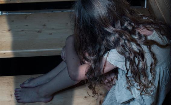 hombre abusa repetidamente de sus hijastras de 6 y 13 anos en panama 1