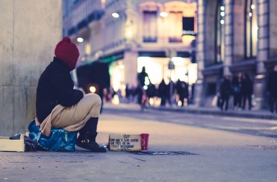 ciudad suiza indigentes vagabundos bono 1