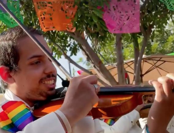 mariachi arcoiris lgbt 5 de mayo 1