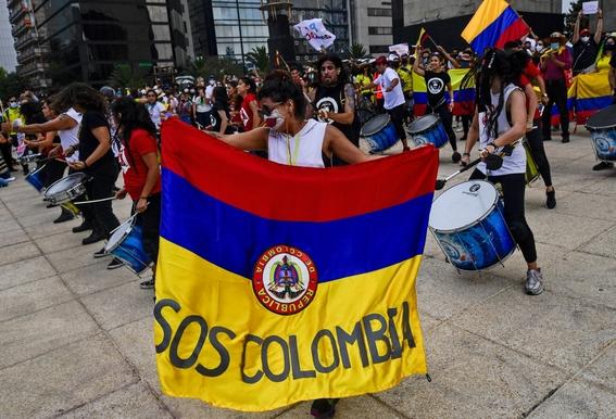colombianos marchan en mexico para exigir alto a la represion en su pais 1