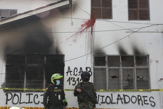 menor se suicida tras denunciar abuso sexual policias colombia 1