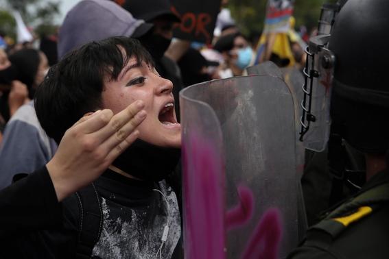 menor se suicida tras denunciar abuso sexual policias colombia 2