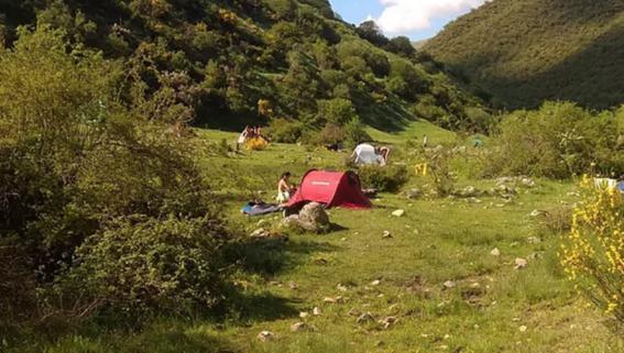 video 'familia arcoiris' comunidad hippie se instala en espana 2