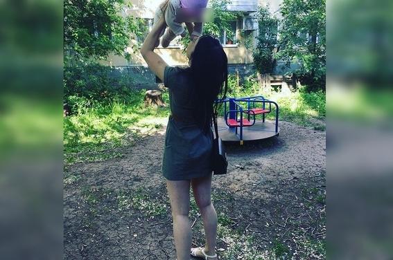 madre cuelga bebe 'porque no dejaba llorar' sexto piso rusia 1