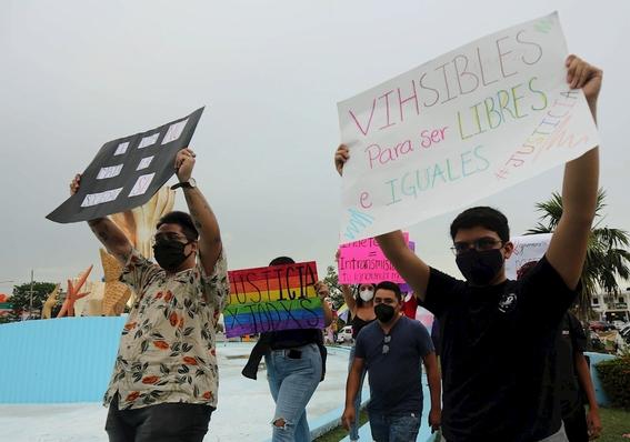 marchan en quintana roo para exigir alto a los crimenes de odio en mexico 2