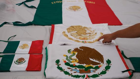 mexicana bandera graduacion carolina directora 2