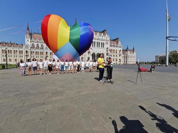 comunidad lgbt hungria ley homosexualidad escuelas menores 1