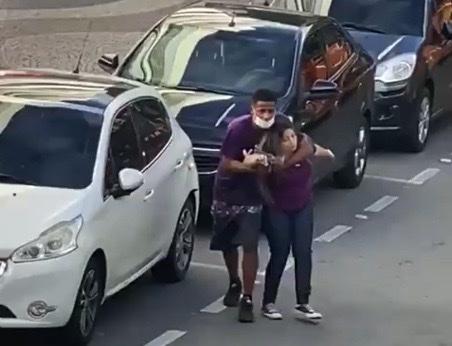 policia brasil mujer rehen robo ladron 1