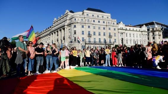 hungria referendum ley comunidad lgbt homosexualidad menores 1