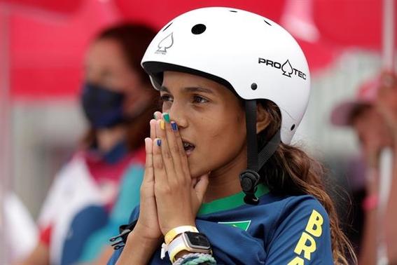 ninas de 13 anos son campeonas olimpicas en el skate de tokio 2