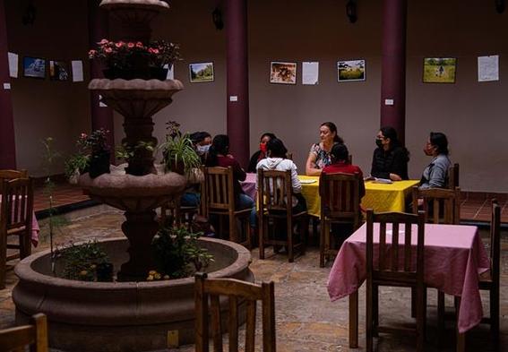 mujeres indigenas huyen del machismo y abren su propio restaurante para sobrevivir 2