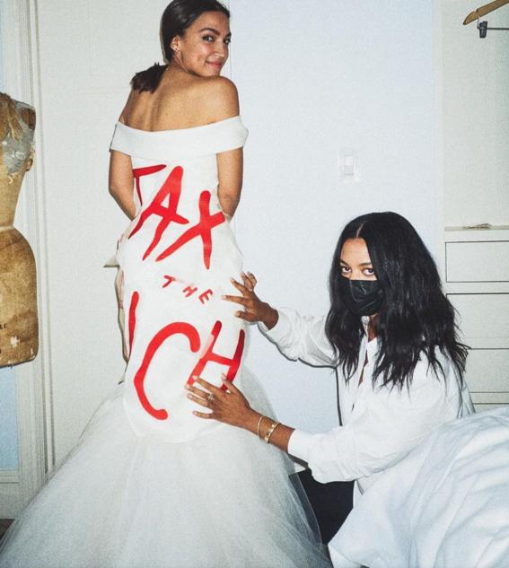 mujeres envian mensajes politicos en vestidos de la met gala 2021 2