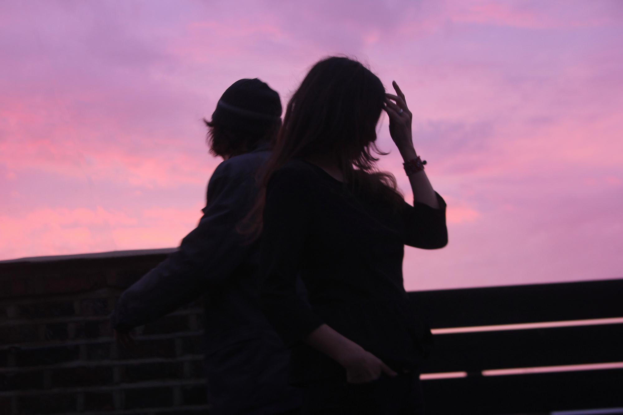 Dos poemas para recordar que el amor se trata de esperar