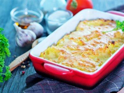 Cenas fáciles y rápidas - Papas gratinadas a los tres quesos
