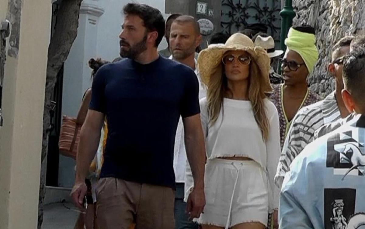 Jennifer Lopez And Ben Affleck Take Italy By Storm