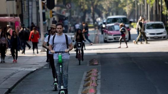 empresas de bicis y scooters solo pagan 20 mil a la cdmx