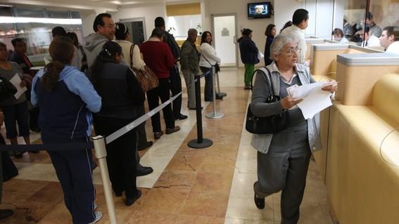 reportan record de ingresos en los bancos por cobro de comisiones