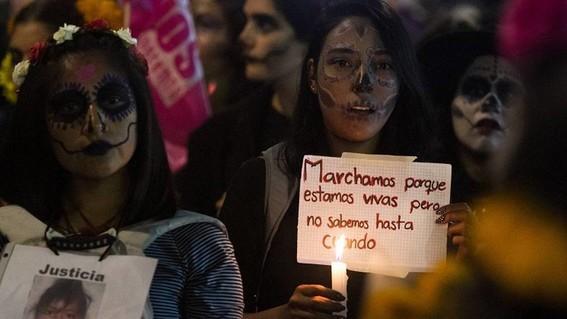 nueve asesinadas al dia asi la violencia contra las mujeres en mexico