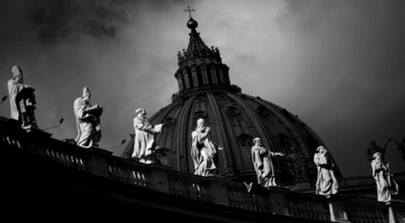 vaticanorevelaqueexistereglamentosecretoparasacerdotesconhijos