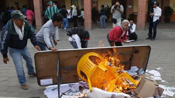 queman casillas en consulta sobre termoelectrica