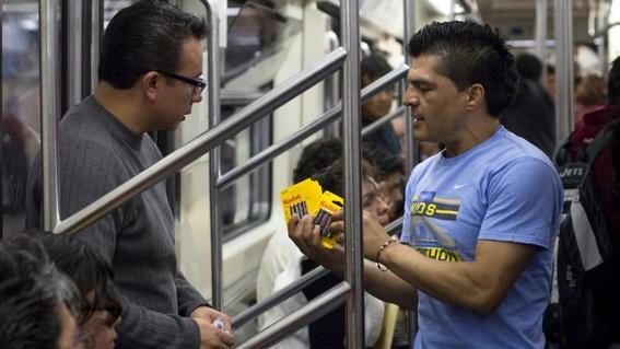 bocineros vagoneros del metro tienen dias contados