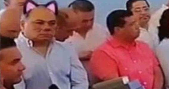se burlan de gobernador de guerrero poniendole bigotes y orejas de gato