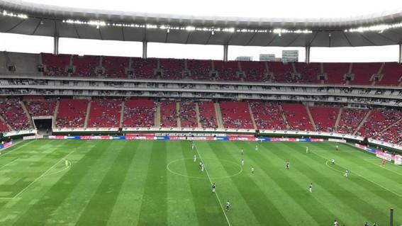 culpan al gobierno por bajas entradas en los estadios de futbol