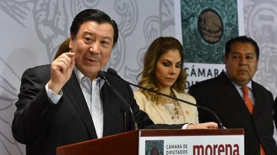 acusan a ex rector de uaeh de compra de curules