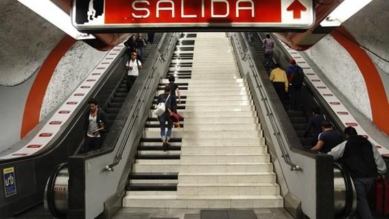 Resultado de imagen para Línea 7 del Metro tendrá escaleras nuevas