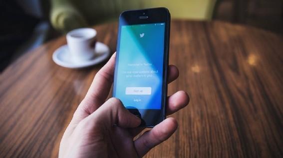 suprema corte resuelve que funcionarios no puede bloquear en redes sociales