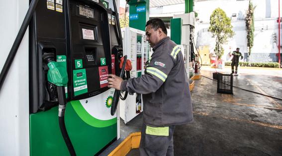 gasolinas bajaran de precio por nuevos subsidios del gobierno