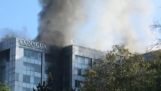 controlan incendio en edificio conagua
