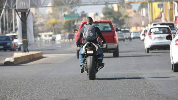 aumentan asaltos a bordo de motos en la cdmx