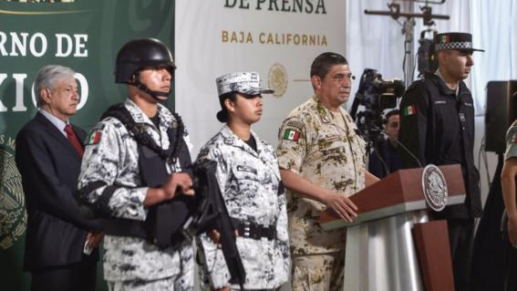 presentan uniformes de nueva guardia nacional amlo