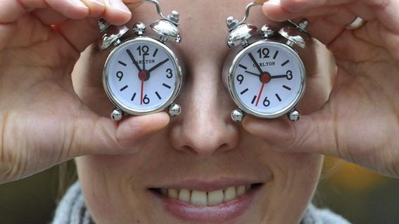 presentan en senado iniciativa para eliminar horario de verano