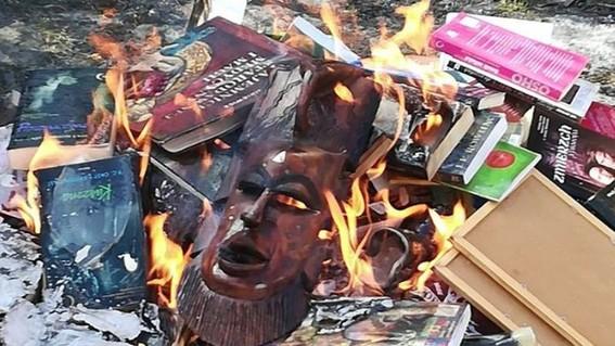 queman sacerdotes libros de harry potter