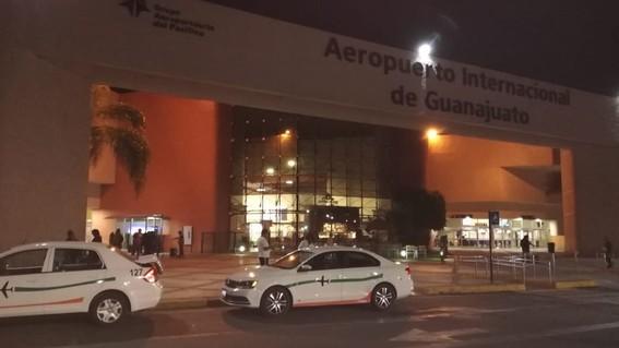 comando armado burla seguridad en aeropuerto y roban 20 millones de pesos