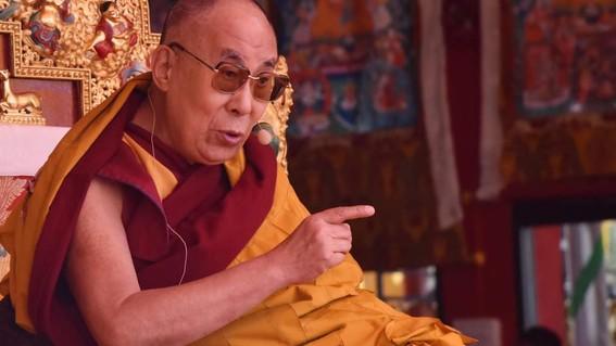 hospitalizan al dalai lama