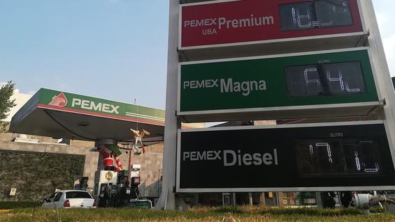 amlo y  gasolinas
