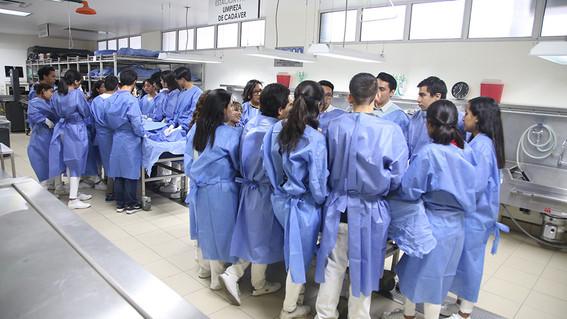 estudiantes de la facultad de medicina