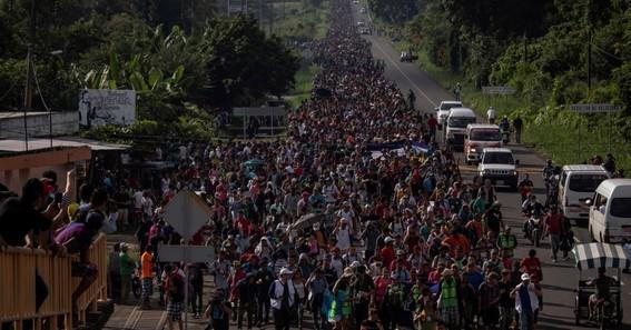 mas de mil migrantes se fugan de centro de detencion en chiapas