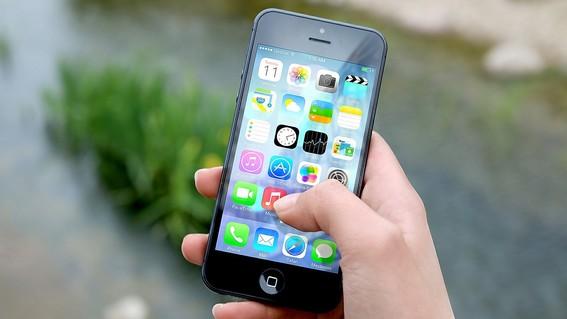 algunos productos como el iphone podrian verse afectados por la guerra comercial entre china y eu