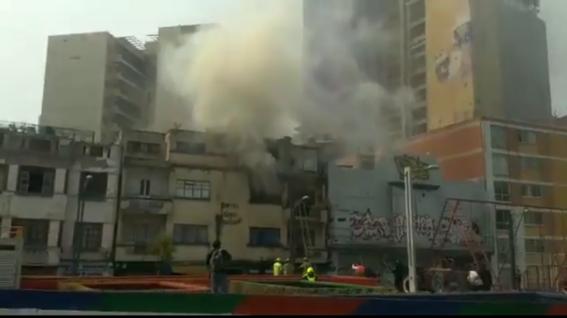 el medio de la crisis ambiental en la cdmx se registra orto incendio en la capital